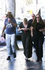 AMBER HEARD Shopping at Iguana Vintage Clothing Store in Hollywood 09/08/2019