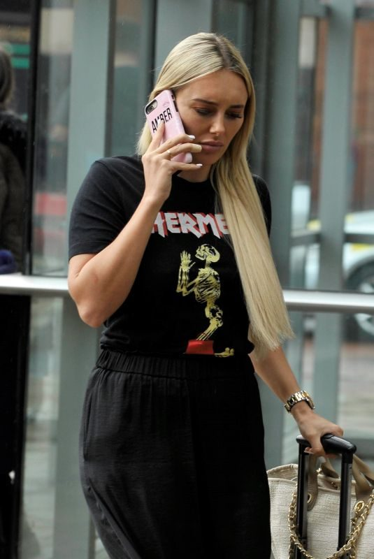 AMBER TURNER and Dan Edgar Out in Manchester 09/02/2019