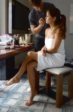 BROOKE BURKE Getting Makeup Ready for a Photoshoot 09/03/2019