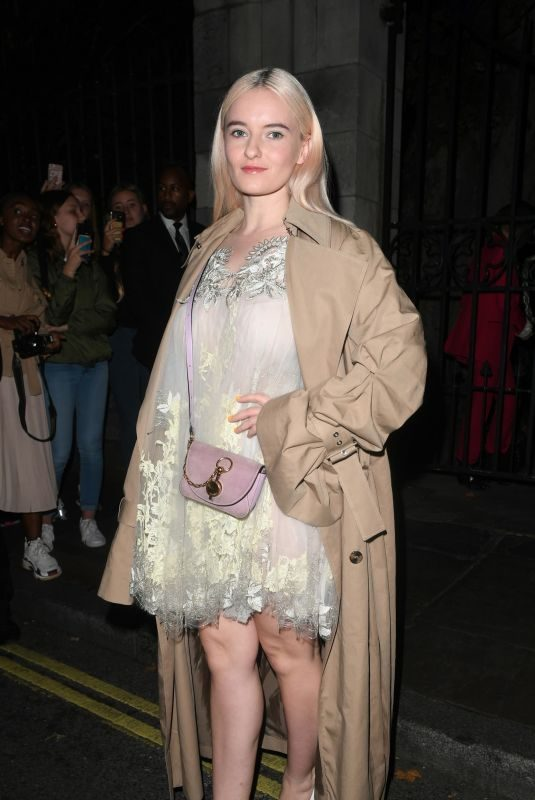 GRACE CHATTO at Julien Macdondald Fashion Show in London 09/16/2019