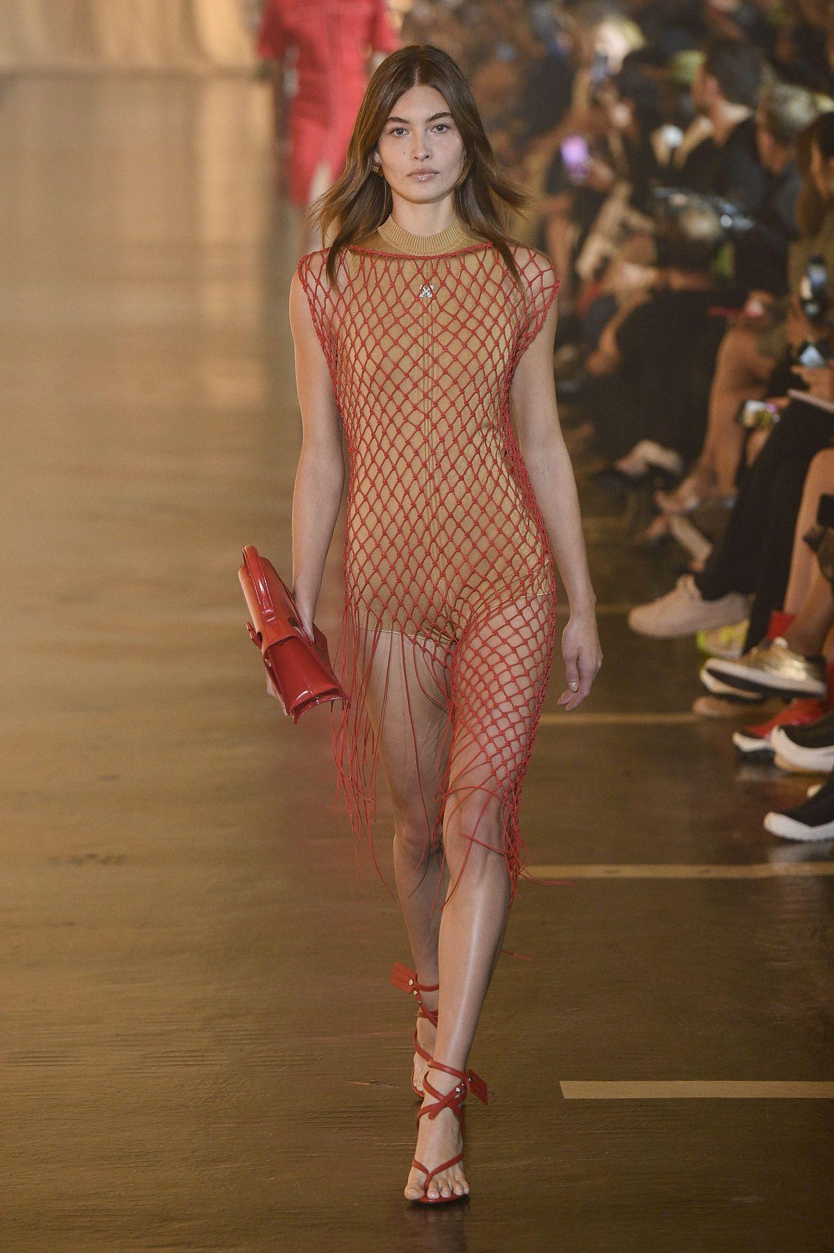 50+ Runway Fashion