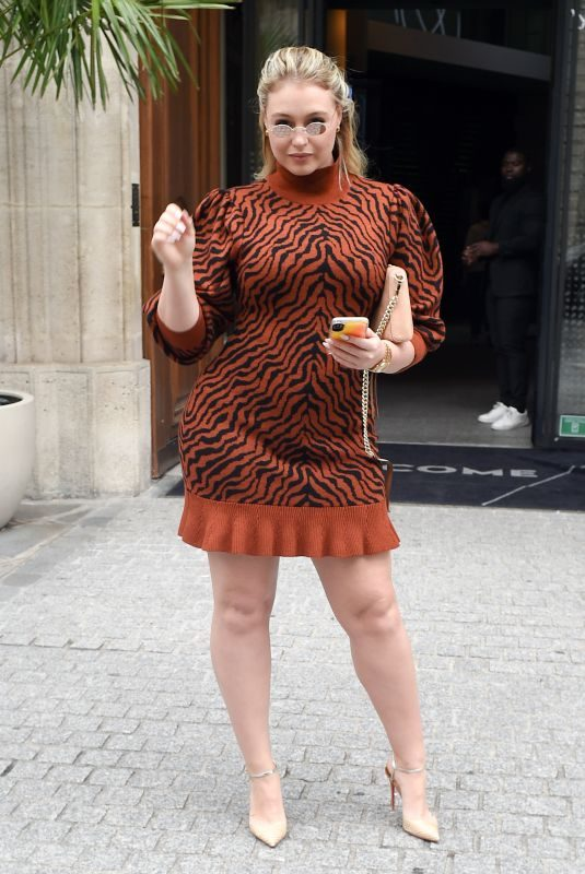 ISKRA LAWRENCE Out at Paris Fashion Week 09/27/2019