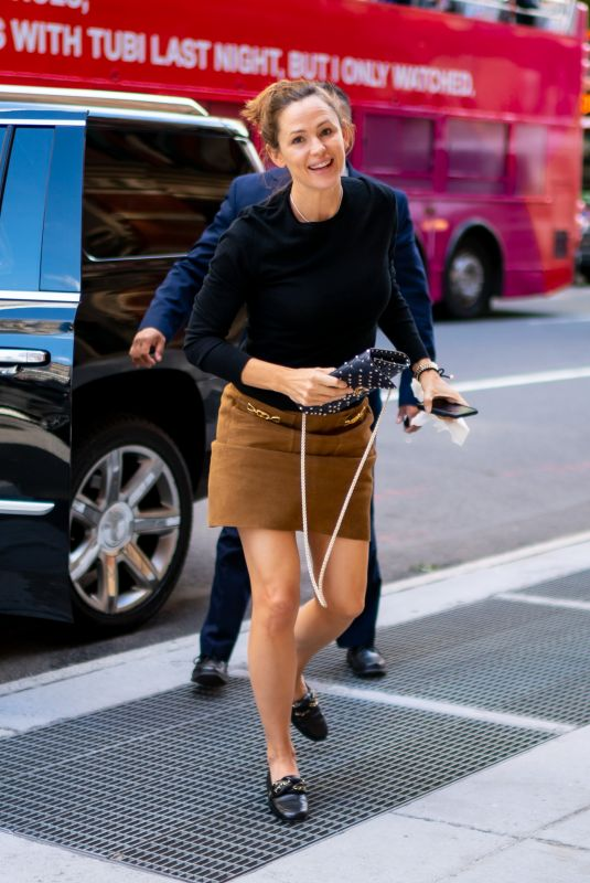 JENNIFER GARNER Out and About in New York 09/13/2019