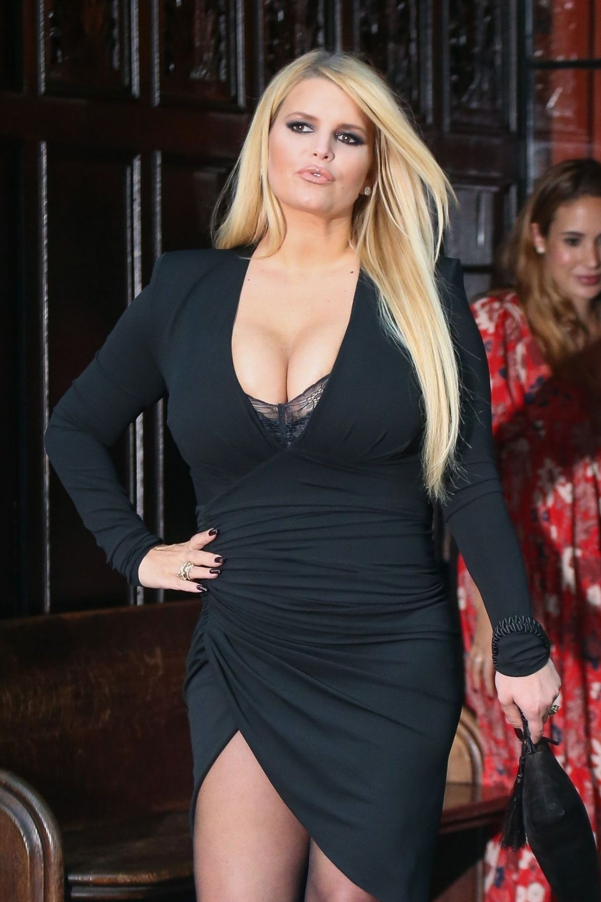 jessica-simpson-out-and-about-in-new-york-09-25-2019-24.jpg