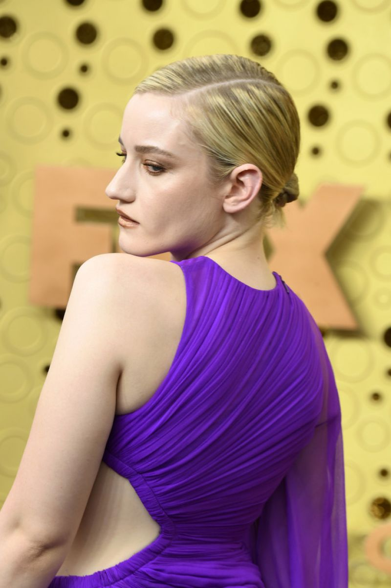 Julia Garner At 71st Annual Emmy Awards In Los Angeles 09 22