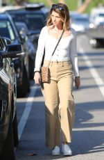 KATHERINE CHWARZENEGGER Out in Pacific Palisades 09/20/2019
