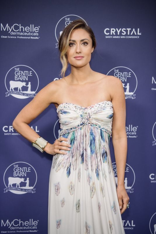 KATIE CLEARY at Gentle Barn's 20th Anniversary Celebration in Santa Clarita 09/28/2019