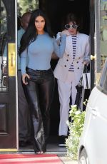 KIM KARDASHIAN Out for Lunch in Calabasas 09/19/2019