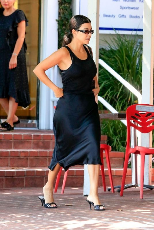 KOURTNEY KARDASHIAN Out for Lunch in West Hollywood 09/05/2019