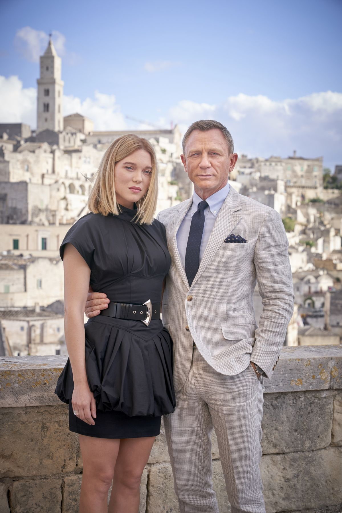 LEA SEYDOUX and Daniel Craig on Location in Italy for ...