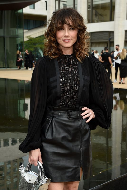 LINDA CARDELLini at Longchamp Fashion Show in New York 09/07/2019