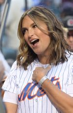 MARISKA HARGITAY Throws Out First Pitch of LA Dodgers vs NY Mmets Game in New York 09/13/2019