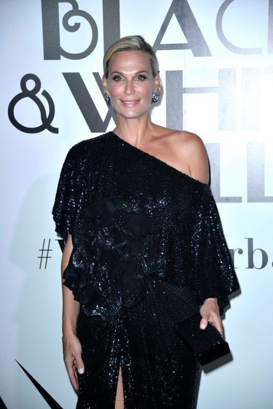 MOLLY SIMS at Black and White Vanity Fair Party at 2019 Venice Film Festival 08/31/2019