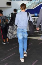 NATALIE PORTMAN Arrives at LAX Airport in Los Angeles 09/27/2019