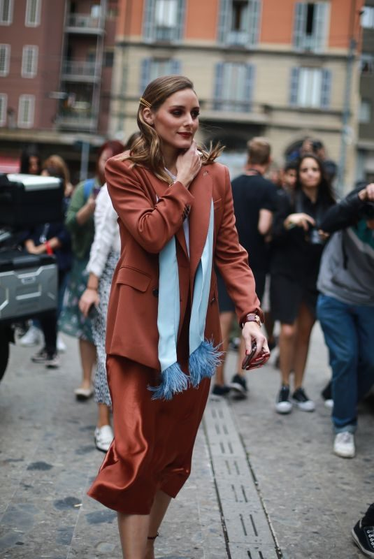 OLIVIA PALERMO Arrives at Max Mara Show at Milan Fashion Week 09/19/2019