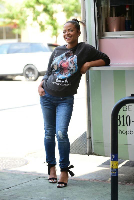 Pregnant CHRISTINA MILIAN at Her Beignet Box Truck in Studio City 09/19/2019