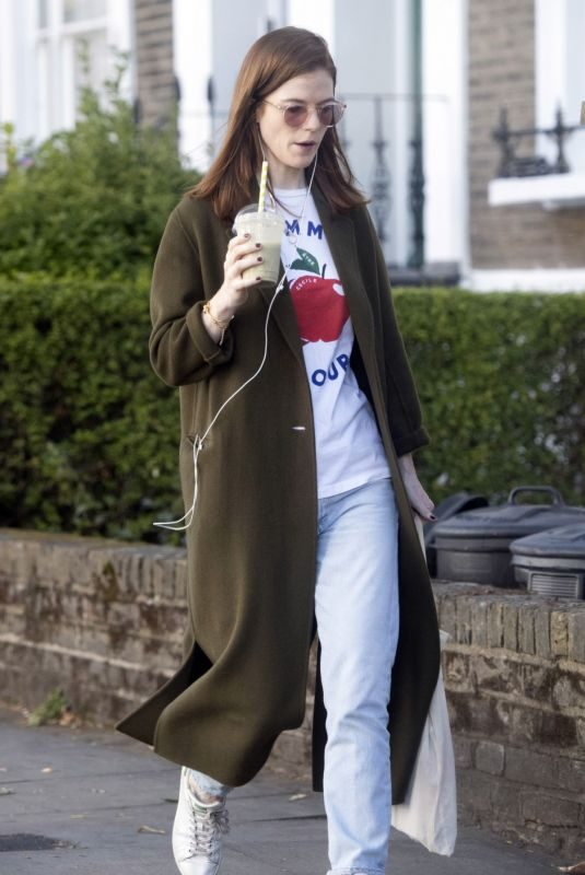 ROSE LESLIE Out for Smoothie in London 09/12/2019