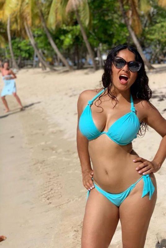 SALMA HAYEK in Bikini – Instagram Photo 09/01/2019