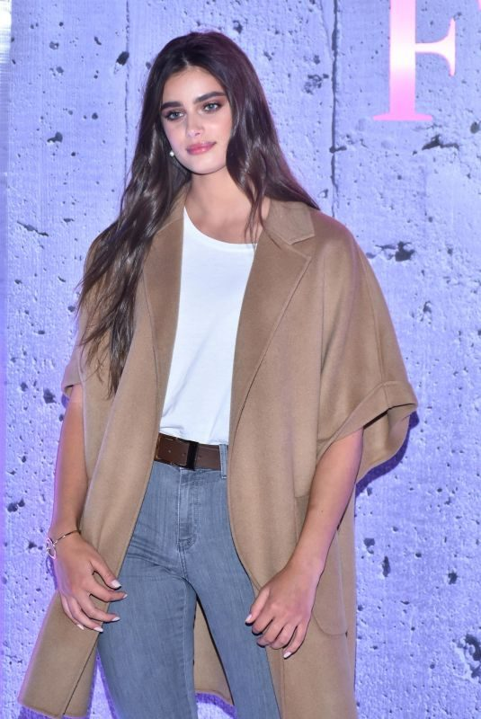 TAYLOR HILL at Estacion Indianilla Press Conference in Mexico City 09/05/2019