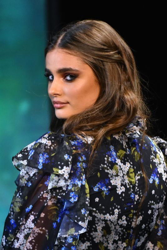 TAYLOR HILL at Fashion Fest Autumn/Winter Runway Show in Mexico City 09/05/2019