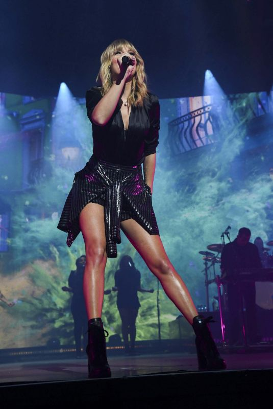 TAYLOR SWIFT Performs City of Lover Concert of L