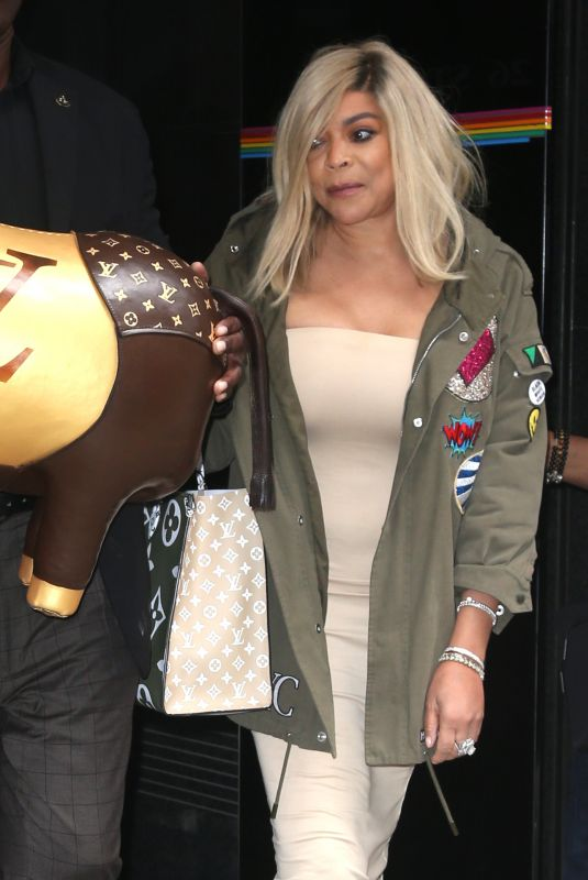 WENDI WILLIAMS Out Shopping in New York 09/18/2019