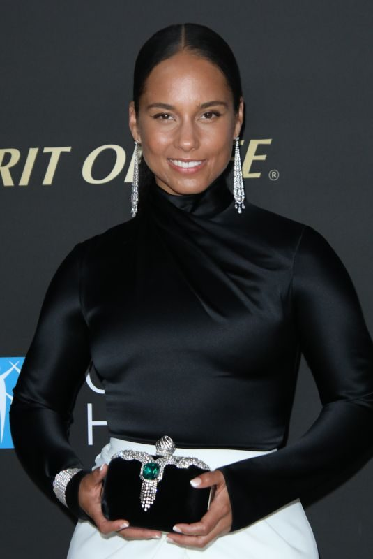 ALICIA KEYS at City of Hope Spirit of Life Gala at Barker Hangar in Santa Monica 10/10/2019