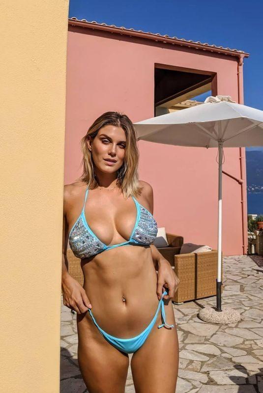 ASHLEY JAMES in Bikini – Instagram Photos 10/17/2019