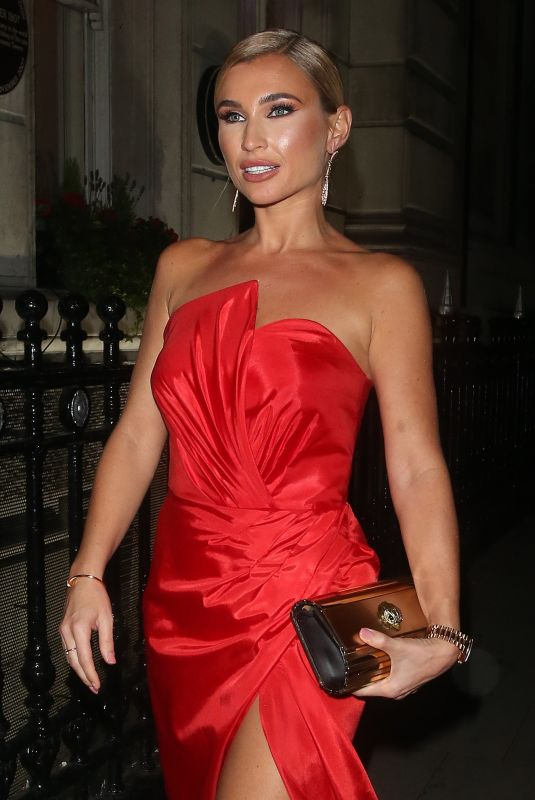 BILLIE FAIERS at Haven House Children Garden Gala in London 10/17/2019