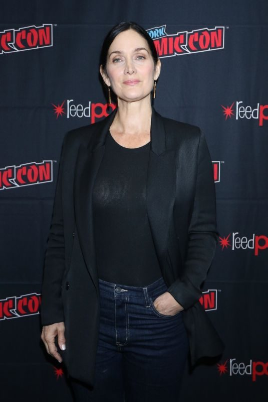 CARRIE-ANNE MOSS at Tell Me A Story Press Room at New York Comic-con 10/03/2019