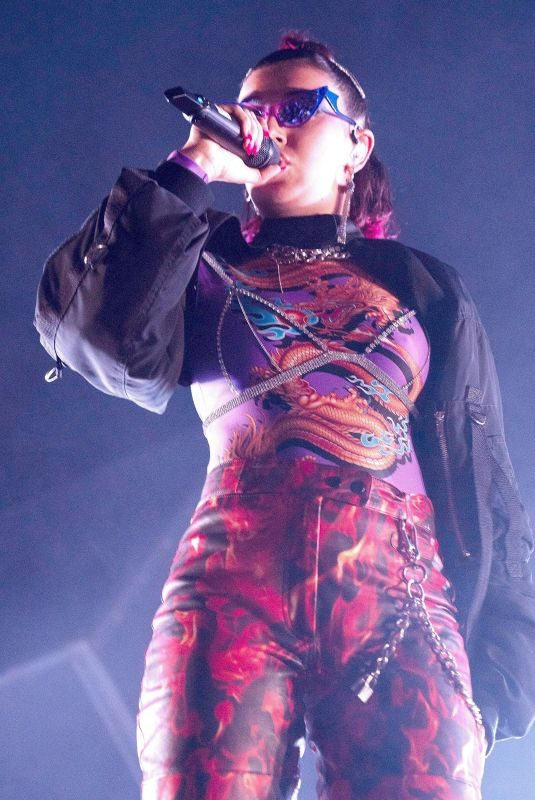 CHARLI XCX Performs at Fox Theater in Oakland 10/02/2019