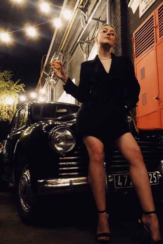 DAKOTA FANNING  - Instagram Photo 10/09/2019