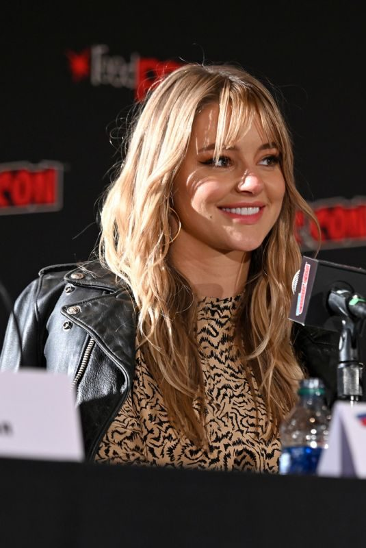 HASSIE HARRISON at Tacoma FD Panel at 2019 New York Comic Con 10/05/2019