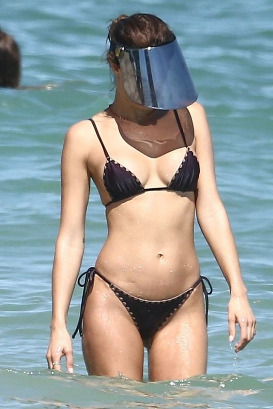 ISABELI FONTANA in Bikini in South Beach 10/22/2019