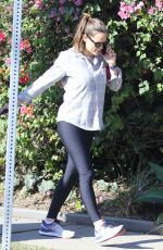 JENNIFER GARNER at a Gym in Pacific Palisades 10/12/2019
