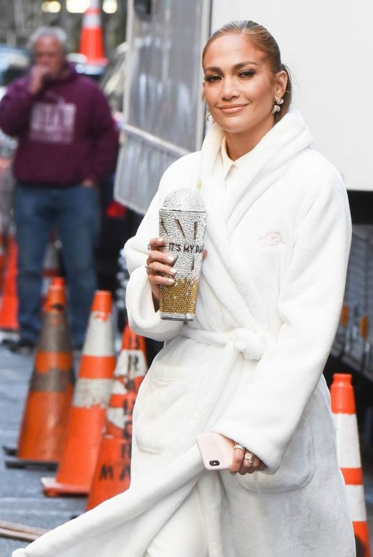 JENNIFER LOPEZ on the Set of Marry Me in New York 10/15/2019