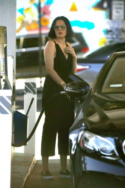 JESSIE J at a Gas Station in Los Angeles 10/25/2019