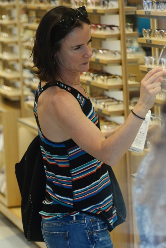 JULIETTE LEWIS Shopping for Eyeglasses at Warby Parker in Studio City 10/05/2019
