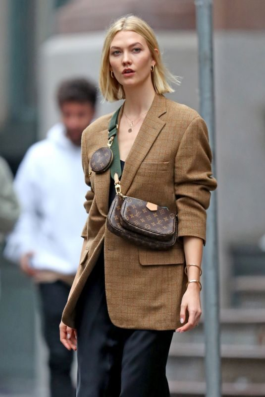 KARLIE KLOSSOut in New York 10/30/2019