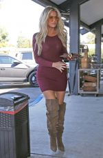 KHLOE KADASHIAN Out for Lunch at Plata Taqueria & Cantina in Agoura Hills 10/09/2019