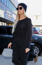 KIM and KHLOE KARDASHIAN Arrives at Cryohealthcare Medical Center in Los Angeles 09/30/2019
