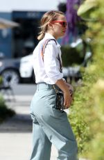 NATALIE PORTMAN Out in Los Angeles 10/16/2019