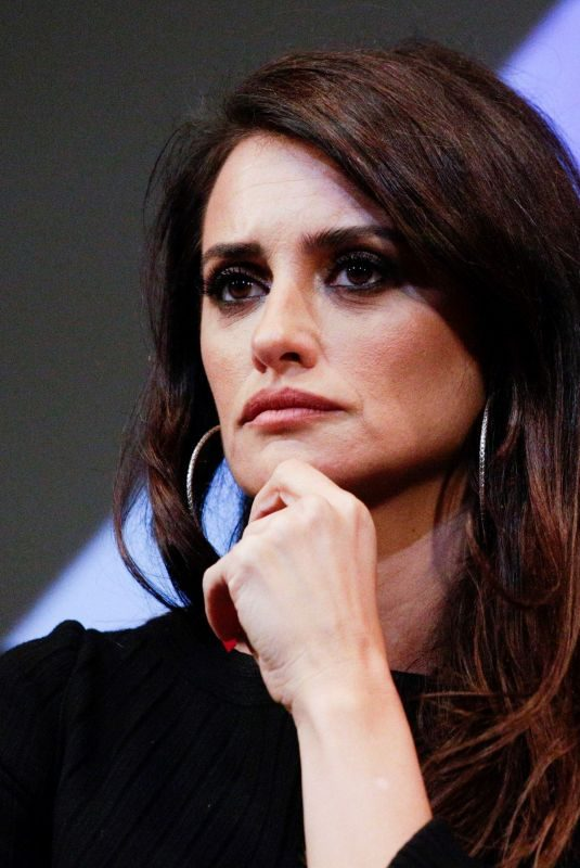 PENELOPE CRUZ at Wasp Network Press Conference at 57th New York Film Festival 10/04/2019
