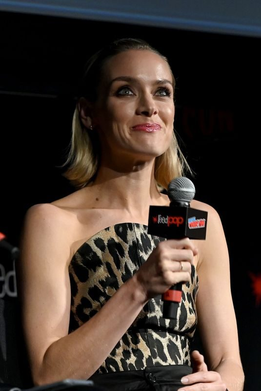 RACHEL SKARSTEN at Batwoman Pilot Screening and Q&A at New York Comic Con 10/06/2019