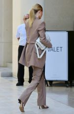 ROSIE HUNTINGTON-WHITELEY Arrives at a Meeting in Beverly Hills 10/08/2019