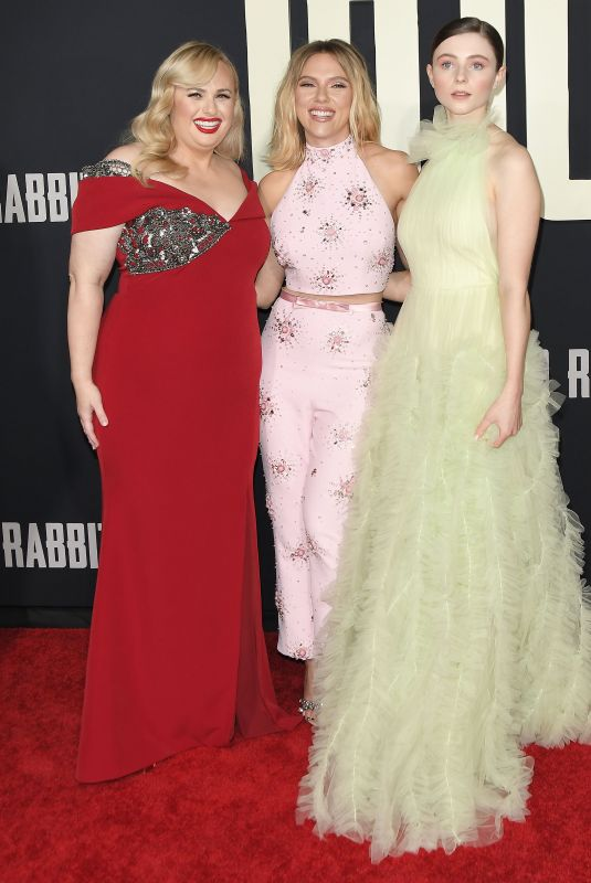 SCARLETT JOHANSSON, REBEL WILSON and THOMASIN MCKENZIE at Jojo Rabbit Premiere in Los Angeles 10/15/2019
