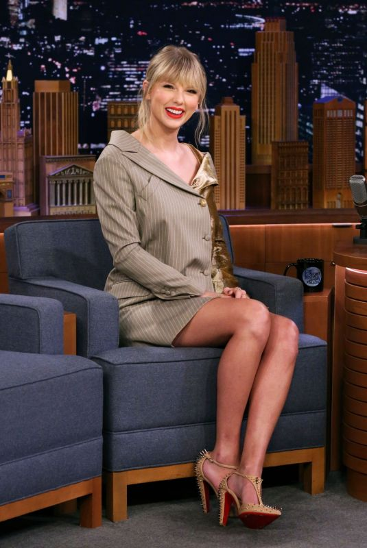 TAYLOR SWIFT at Tonight Show Starring Jimmy Fallon in New York 10/03/2019