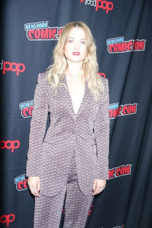 VIRGINIA GARDNER at Runway Press Room at New York Comic-con 10/04/2019