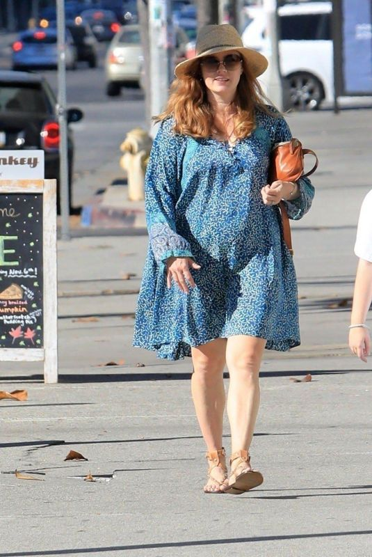 AMY ADAMS Out and About in Beverly Hills 11/17/2019