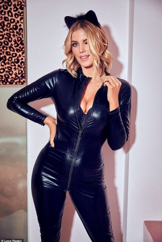 ASHLEY JAMES for Lovehoney Christmas 2019